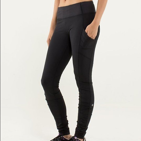 Lululemon Size 4 Black Ruched Leggings with Pocket